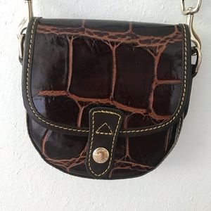 Dooney and Bourke crossbody leather purse